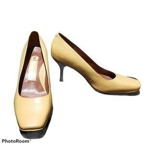 AEROSOLES SIGNATURE Leather Heels (Size 8B)